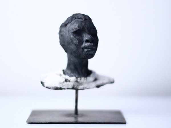 thumbnail galerie sculpture Raku homme Himba terres ethniques by Anne Requillart