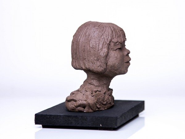 thumbnail galerie sculpture terre cuite petite fille terres ethniques by Anne Requillart