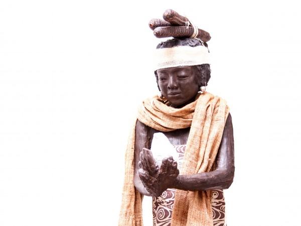 thumbnail galerie sculpture résine Fisseha 2 terres ethniques by Anne Requillart
