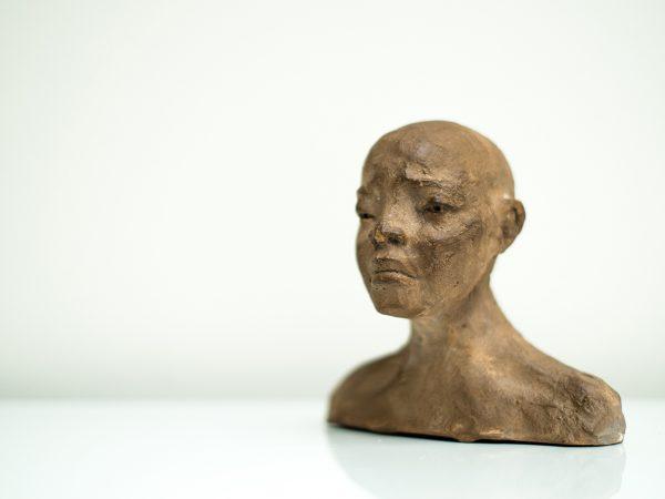 thumbnail galerie sculpture Plâtre Chidi terres ethniques by Anne Requillart