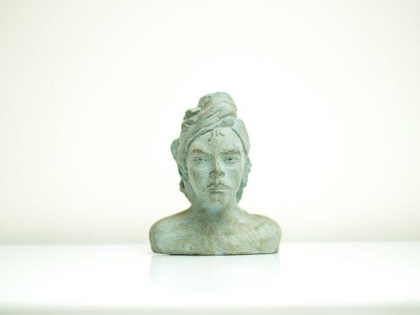 thumbnail galerie sculpture Plâtre Femme au turban terres ethniques by Anne Requillart