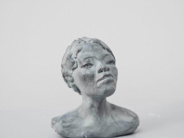 thumbnail galerie sculpture Terre cuite Leïla3 terres ethniques by Anne Requillart