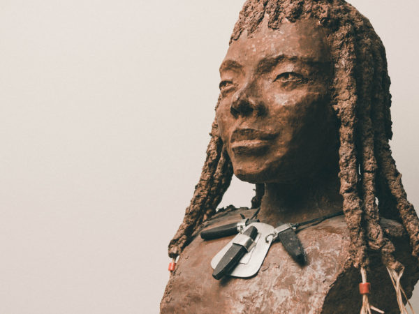 thumbnail galerie sculpture papier femme Namibie 5 terres ethniques by Anne Requillart