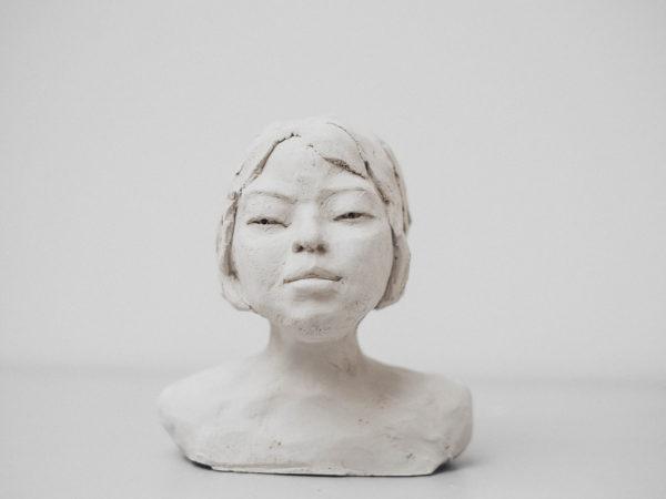 thumbnail galerie sculpture terre cuite cloé terres ethniques by Anne Requillart